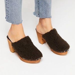 Free People Cabin Fever Clogs NWOB 40